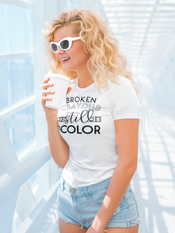 "Tricou ""Broken crayons still color"""